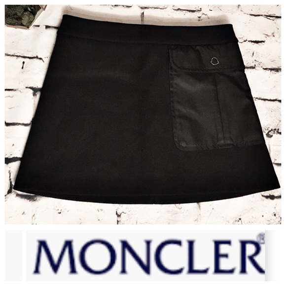 Moncler Black Wool Blend Skirt with front pocket